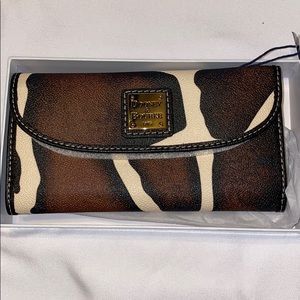 NWT Dooney & Bourke Giraffe Wallet
